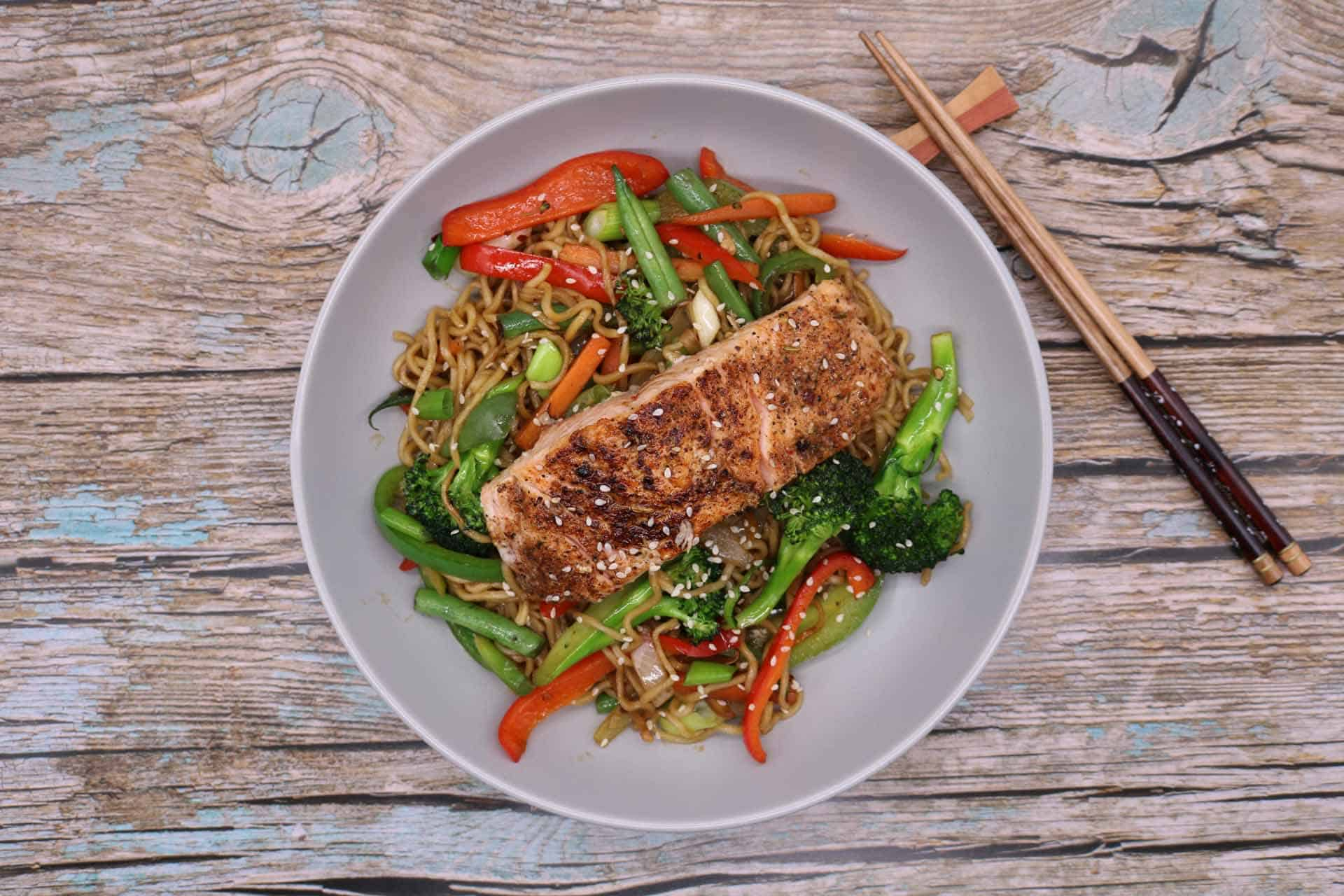 Salmon with Chilli and Oyster Sauce Noodles, Salmon with Chilli and Oyster Sauce Noodles