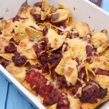 Party Nachos with Chorizo and Spicy Cheese Sauce, Party Nachos with Chorizo and Spicy Cheese Sauce